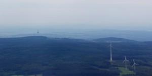 Windpark im Oberwald mit Hoherodskopf, Vogelsberg