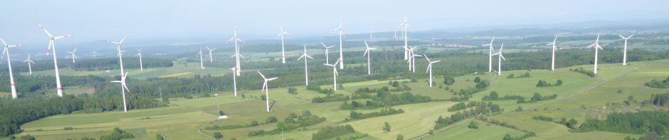 Die Windfarm Goldner Steinrück ober halb von Helpershain bei Ulrichstein im Vogelsberg